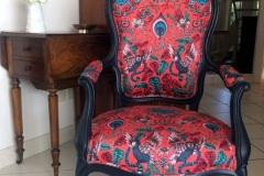 Fauteuil Louis Philippe clarke&clarke rouge animal-bis