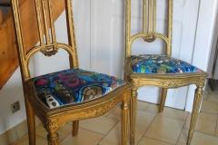 chaise louis XVI doré tissu bleu pop art casal